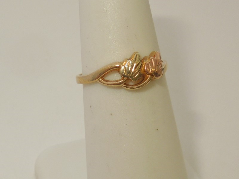 Lady's Gold Ring 10K Tri-color Gold 1.4g Size:6