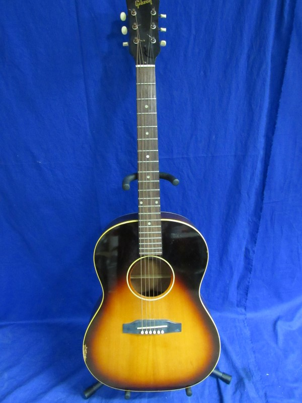 GIBSON ACOUSTIC GUITAR LG1