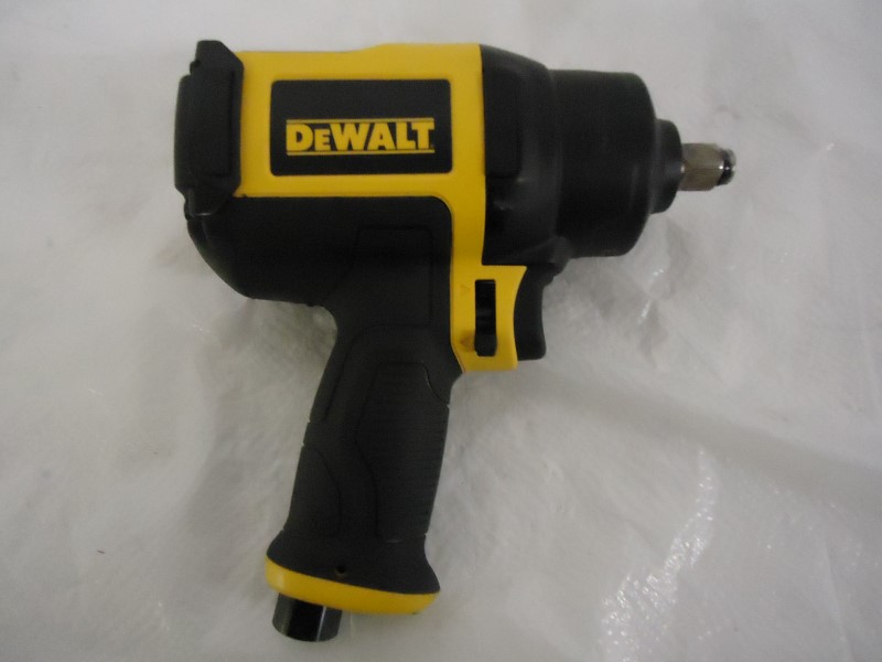 DEWALT Air Impact Wrench DWMT70773L