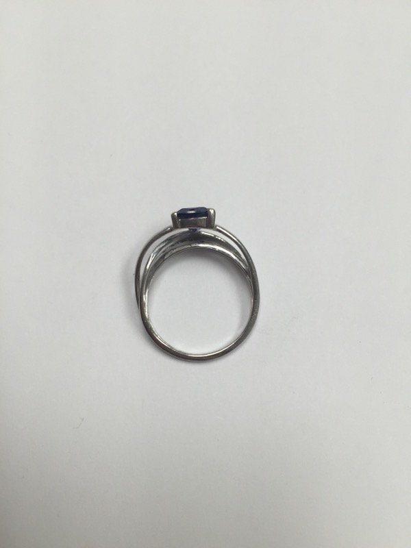Synthetic Sapphire Lady's Stone Ring 10K White Gold 1.7dwt Size:7