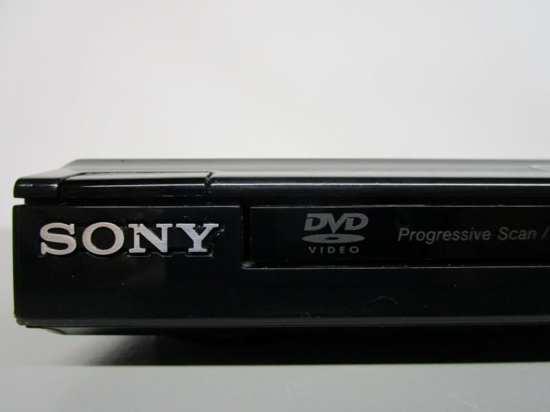 SONY DVP-SR200P DVD PLAYER, WORKS GREAT