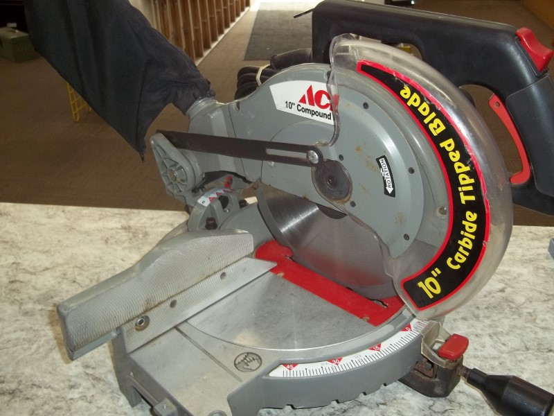 "ACE HARDWARE 10"" COMPOUND SAW"