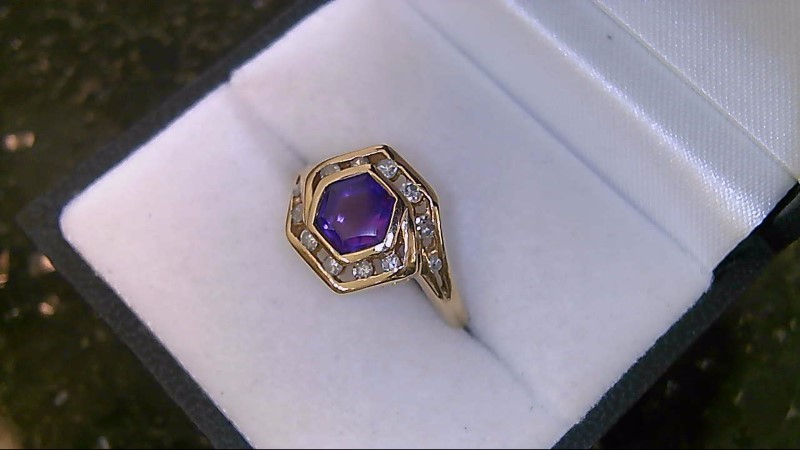 LADY'S 14K YELLOW GOLD OCTAGON AMETHYST WITH DIAMONDS RING