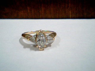 Synthetic Cubic Zirconia Lady's Stone Ring 10K Yellow Gold 2.5g Size:6