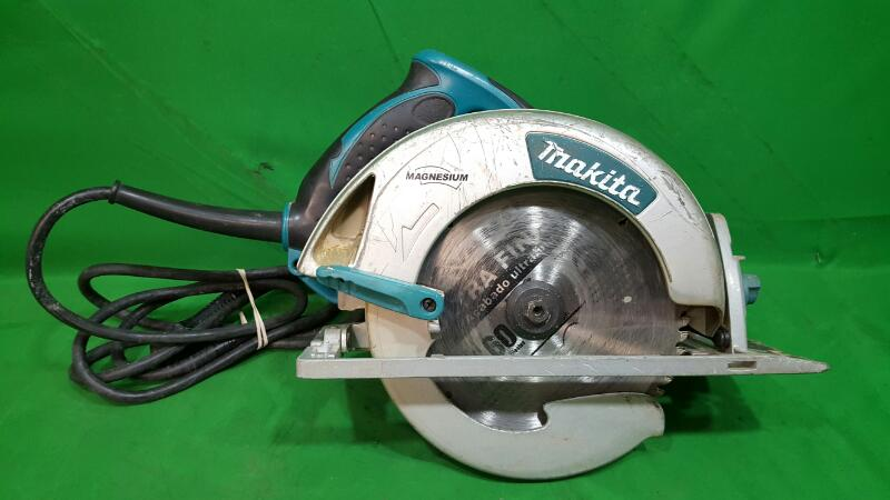MAKITA 15 Amp 7-1/4 in. Magnesium Circular Saw