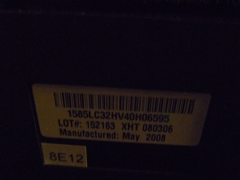 """DYNEX DXL-LCD32-09 32"""" 720P 60HZ LCD HDTV 2008 WITH REMOTE"""