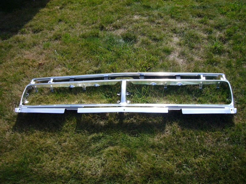 FORD MOTOR COMPANY Car/Truck Part D6TZ5200A 1973-1977 FORD F-SERIES TRUCK GRILL