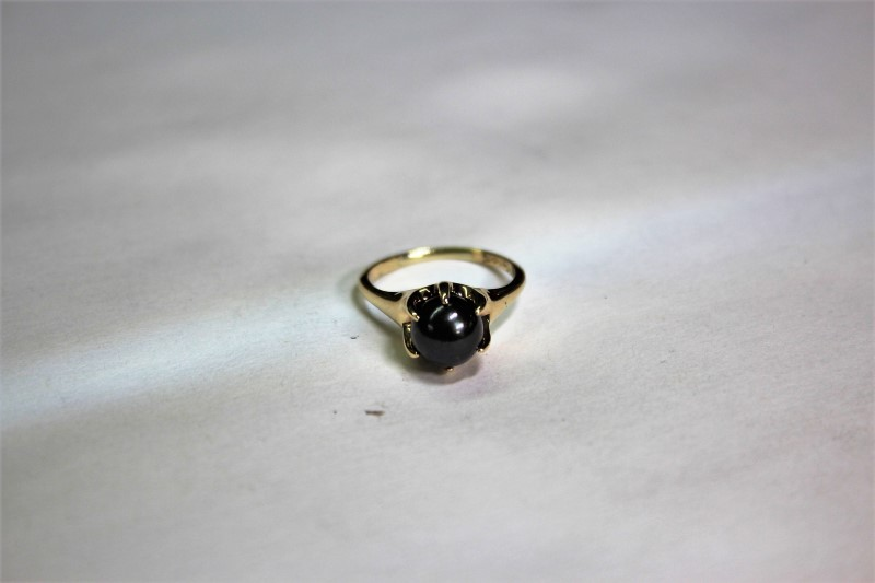 Black Pearl Lady's Stone Ring 14K Yellow Gold 3.1g Size:5