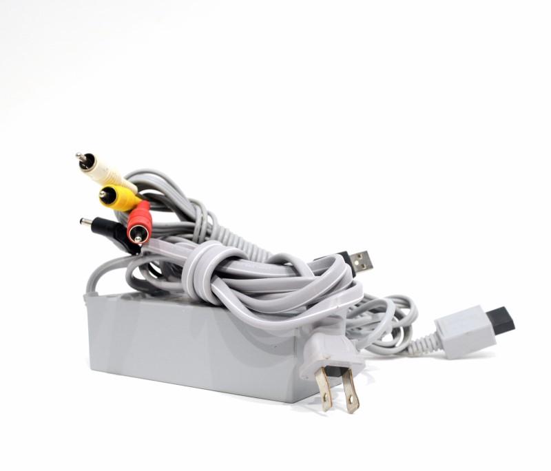 Nintendo Wii RVL-001 Home Video Game Console (White) Bundle >