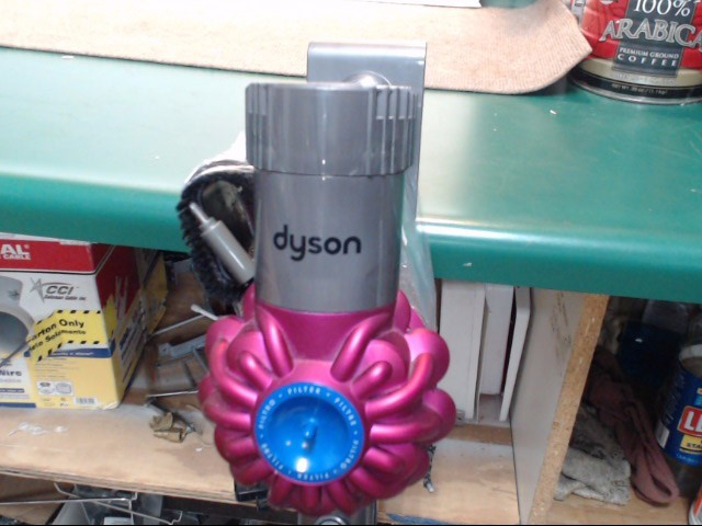 DYSON Vacuum Cleaner SV04