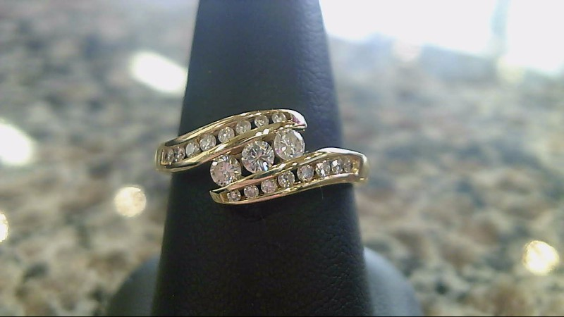LADY'S 14K YELLOW GOLD ROUND DIAMOND RING