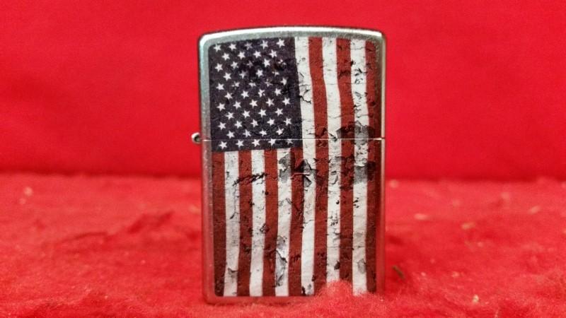 Zippo Lighter USA Flag Distressed Windproof Classic Patriotic American