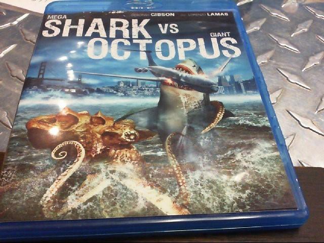 BLU-RAY MOVIE MEGA SHARK VS GIANT OCTOPUS