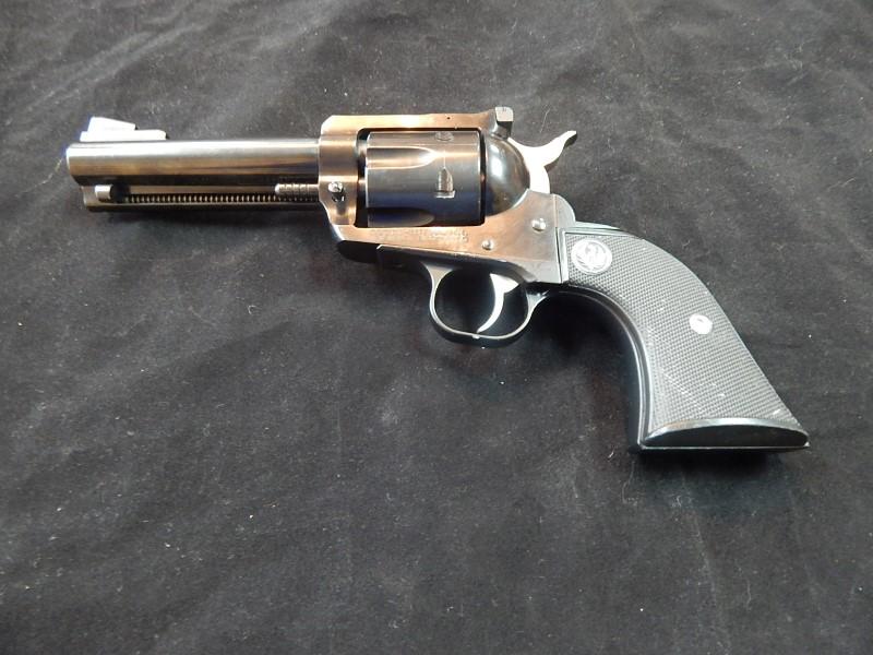 RUGER Revolver NEW MODEL BLACKHAWK 357