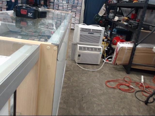 FRIGIDAIRE Air Conditioner FFRE08L3Q1