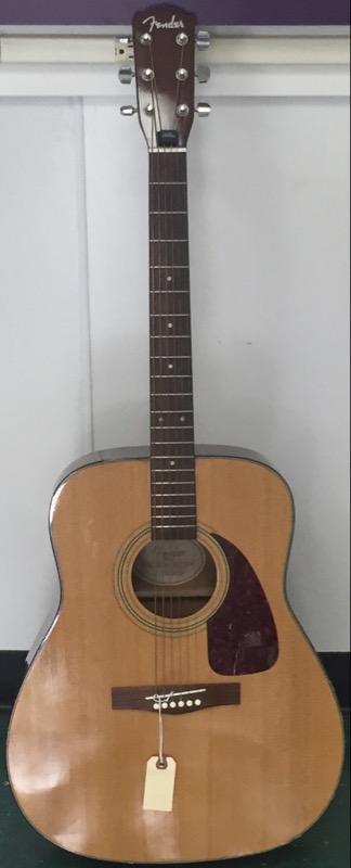FENDER Acoustic Guitar DG-7