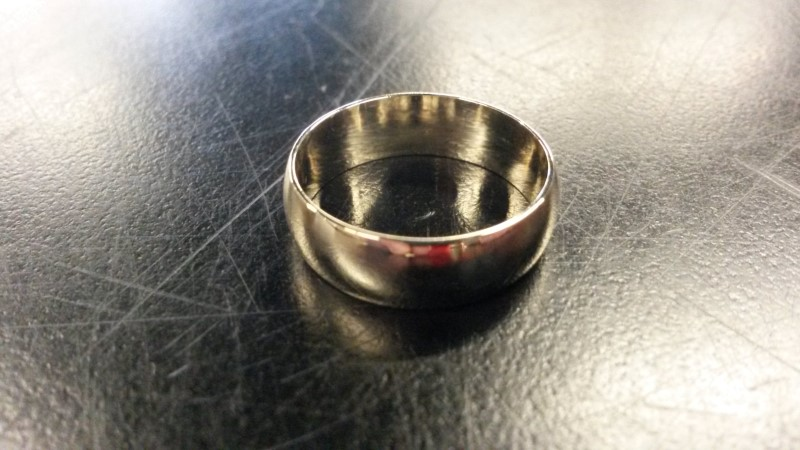 PLAIN BAND Gent's Gold Ring 10K Yellow Gold 2.6dwt Size:8