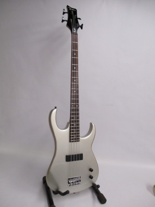 DEAN ZONE BASS ZOXMB MSL SILVER