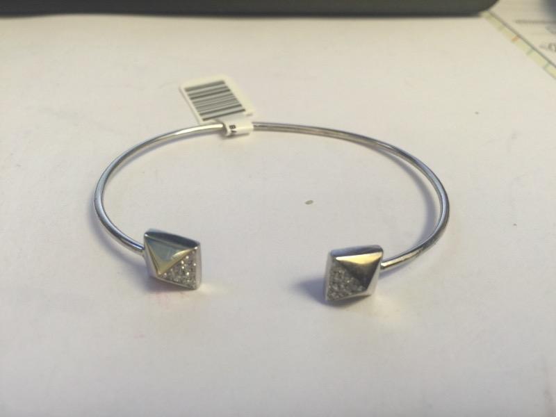 Gold-Diamond Bracelet 14 Diamonds .14 Carat T.W. 14K White Gold 6g