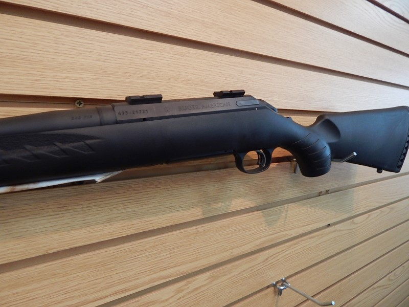 RUGER Rifle AMERICAN