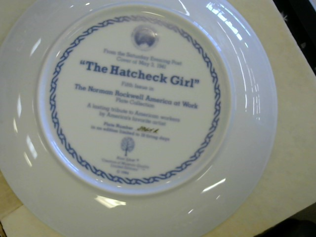 THE HAMILTON COLLECTION Collectible Plate/Figurine