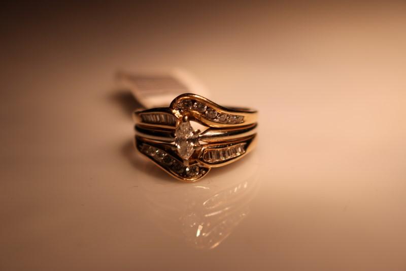 Lady's Diamond Wedding Set 29 Diamonds .37 Carat T.W. 14K Yellow Gold 6.22g