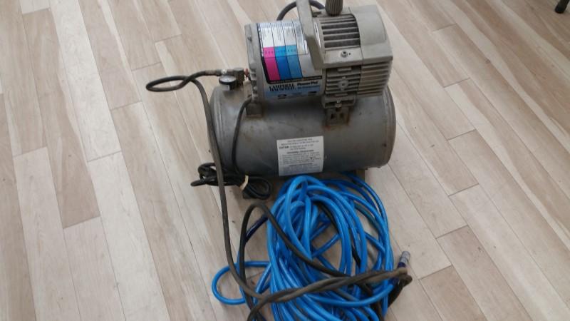 CAMPBELL HAUSFELD Air Compressor MT5012