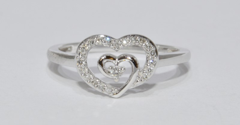 14K White Gold Adorable Double Heart Swirl Diamond Ring Size 7