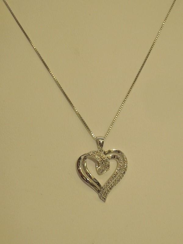 "18"" Diamond Necklace 32 Diamonds .32 Carat T.W. 925 Silver 1.3g"