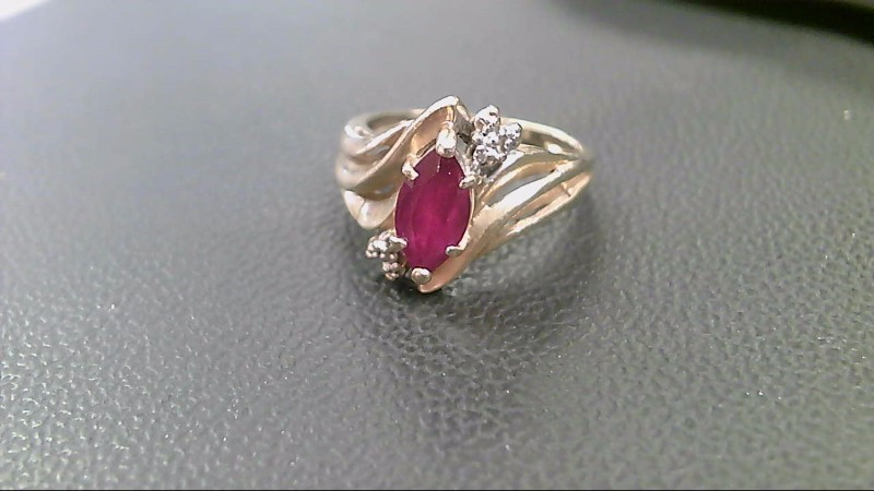 Ruby Lady's Stone Ring 10K Yellow Gold 3.2g