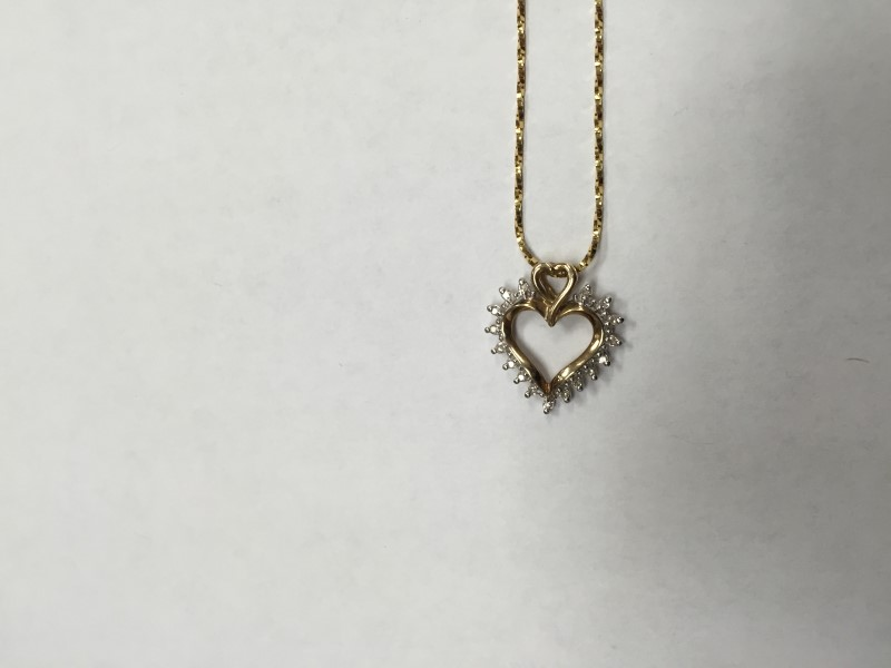 """20"""" GOLD FINE CHAIN WITH HEART CHARM WITH 17 1PT DIA. 14K YELLOW GOLD 3.5g"""