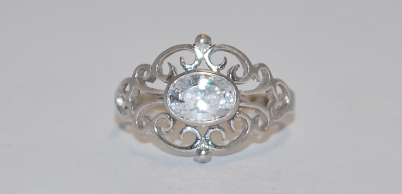 Women's Vintage Inspired Split Shank Sterling Silver Ring Size 6.5