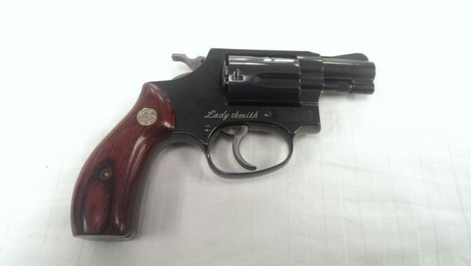 SMITH & WESSON Revolver 36-7