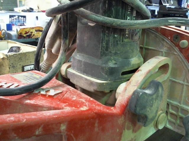 HUSKY TOOLS Tile Saw TILE SAW THD950L
