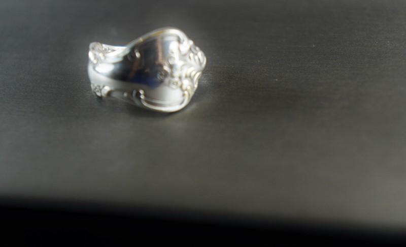 WOMEN'S SPOON STYLE PINKY RING SZ. 4