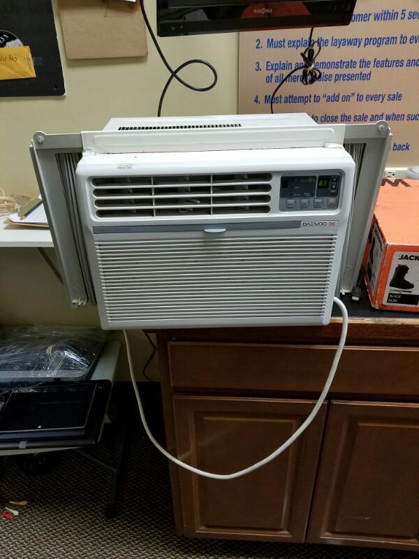 Frigidaire Air Conditioner Air Conditioner For Parts Or