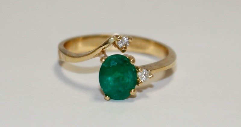 Emerald Lady's Stone & Diamond Ring 2 Diamonds .04 Carat T.W. 18K Yellow Gold