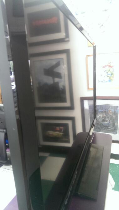 VIZIO Flat Panel Television E472VLE
