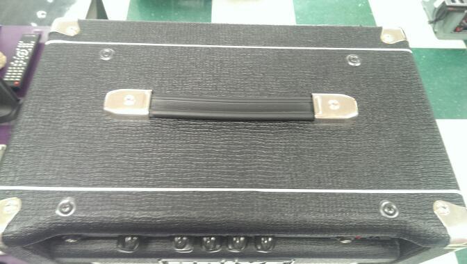 DRIVE CD300B BASS AMP
