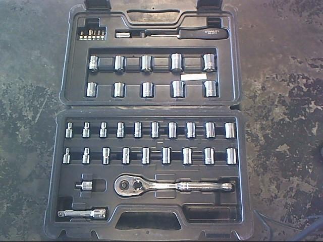 STANLEY Sockets/Ratchet STMT71648