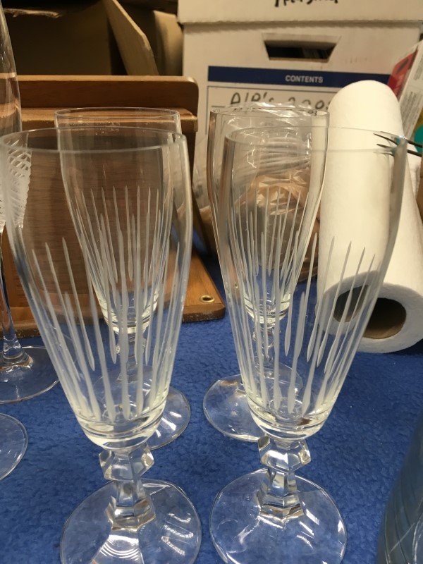 CRYSTAL WINE GLASS/GOBLETS