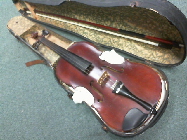 ANTIQUE VIOLIN NO NAME W/CASE