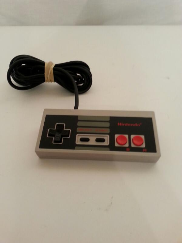 Original Nintendo NES Gamepad NES-004 Controller ]