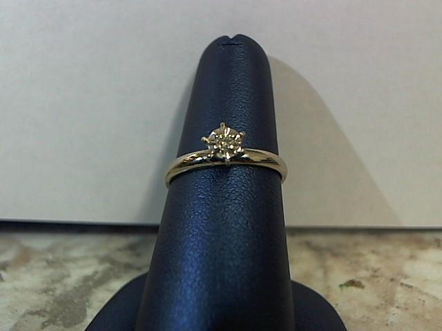 Lady's Diamond Engagement Ring .02 CT. 14K White Gold 2g Size:6