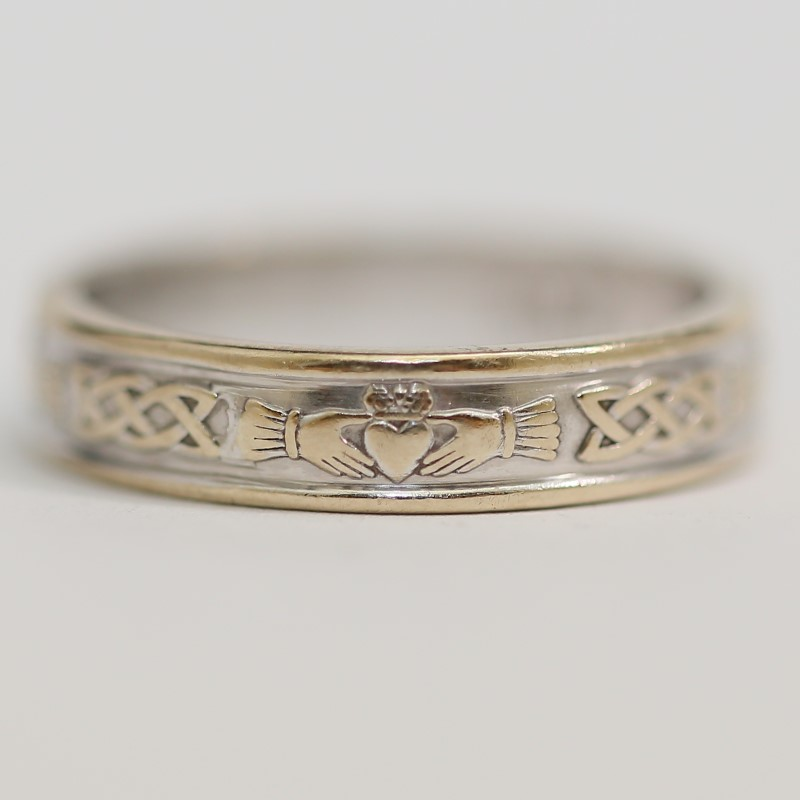 Claddagh and Celtic Knot 14K White Gold Wedding Band Size 7.5