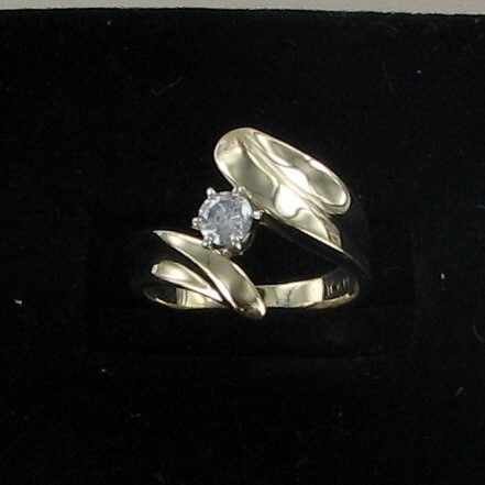 Lady's Diamond Solitaire Ring .20 CT. 10K Yellow Gold 3.1dwt
