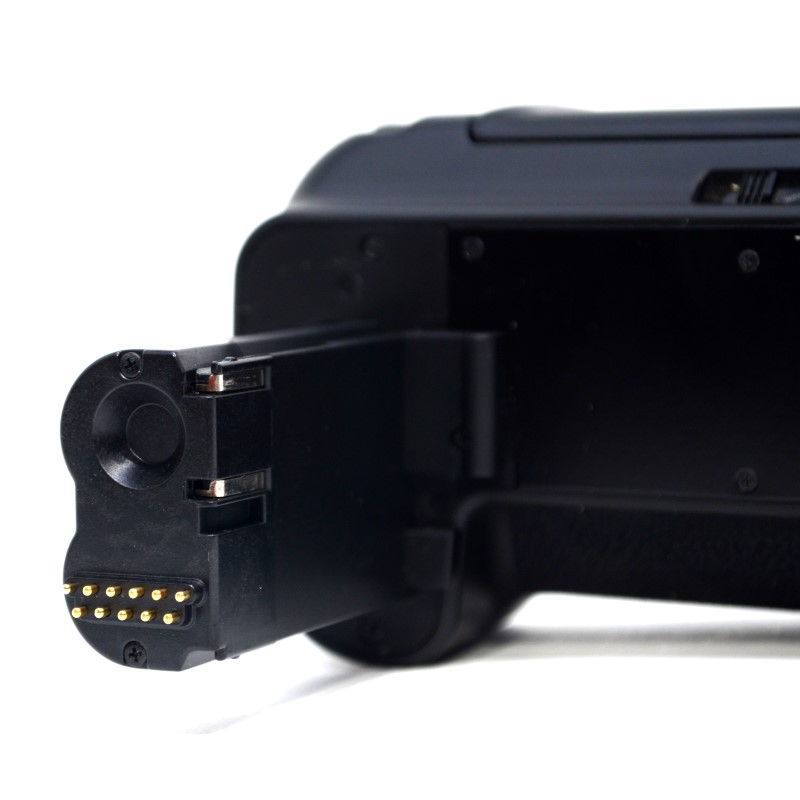 Zeikos Camera Battery Grip ZE-CBG50 (30D/40D/50D) W/ 2 Batteries (&)