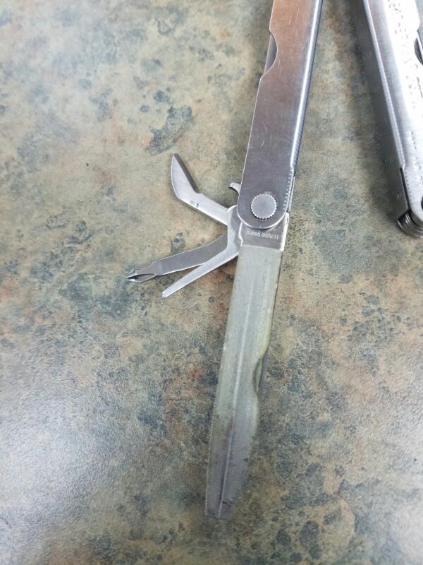 LEATHERMAN Pocket Knife PST II