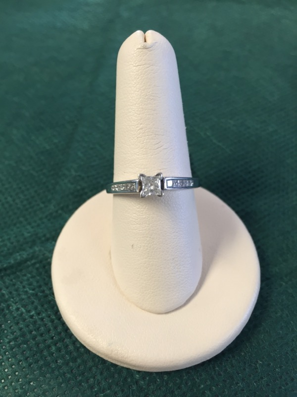 Lady's Diamond Solitaire Ring 13 Diamonds .48 Carat T.W. 14K White Gold 2.8g