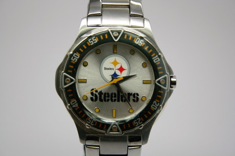 PITTSBURGH STEELERS STAINLESS STEEL WATCH